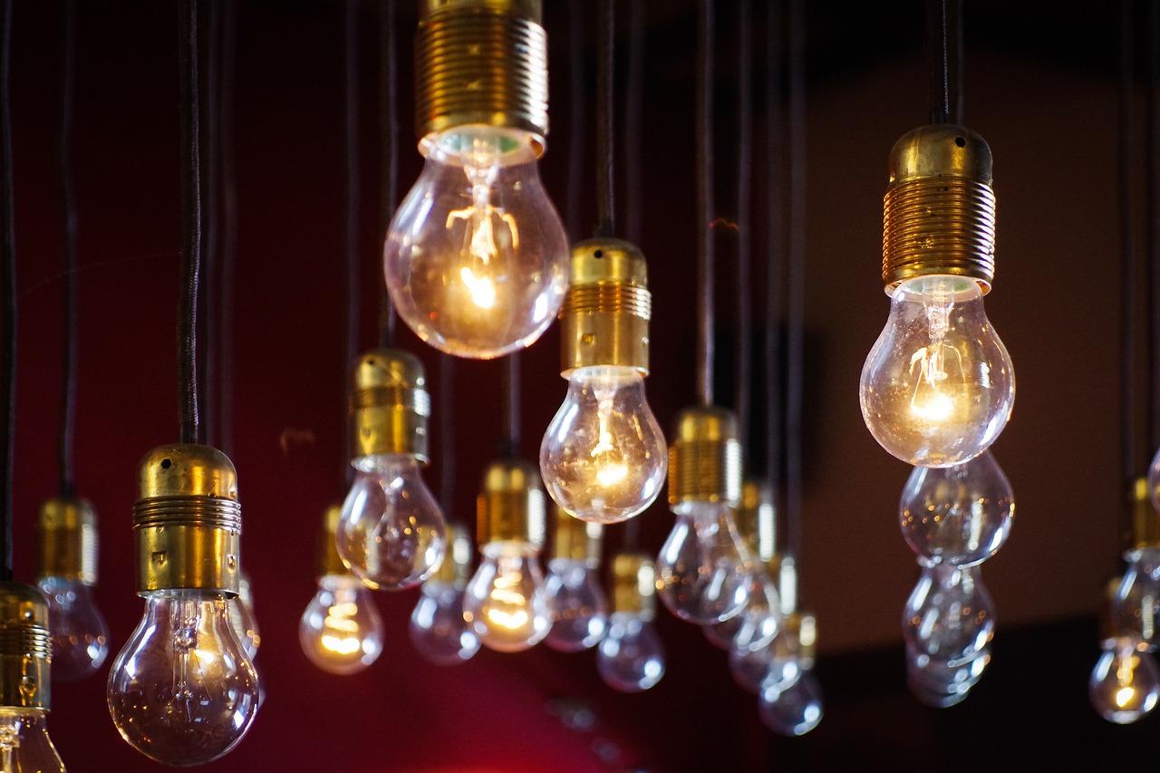 light-bulbs-918581_1280